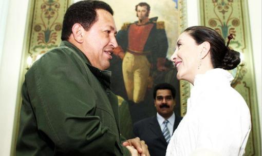 Chávez recibió a Betancourt en Caracas.
