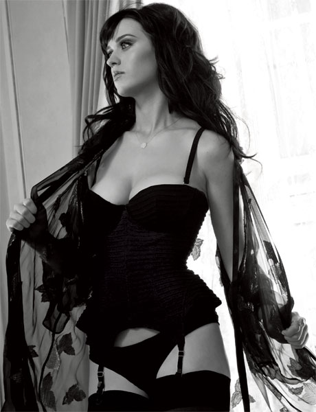 katy-perry-cleavage-esquire-01